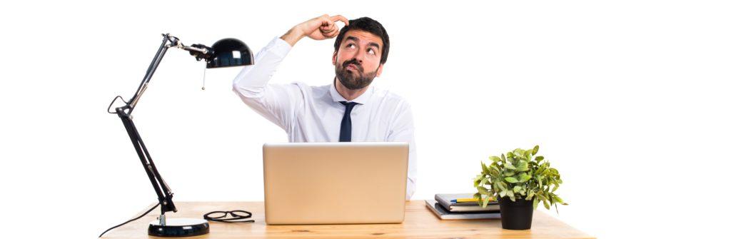 Businessman In His Office Thinking Contabilidade Em Piraí Do Sul Pr | Wrocha Contabilidade Blog - Wrocha Contabilidade
